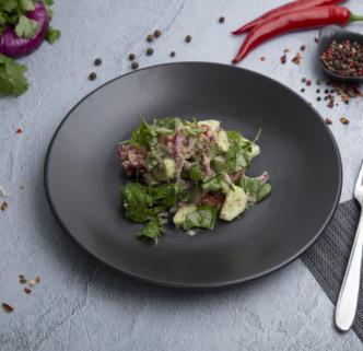 Салат овощной с ореховой заправкой