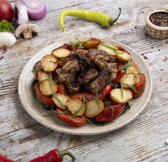 Свинина с овощами и картофелем на компанию